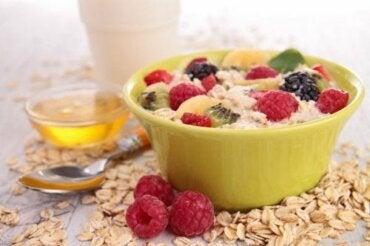 Как понизить холестерин за завтраком: 5 советов