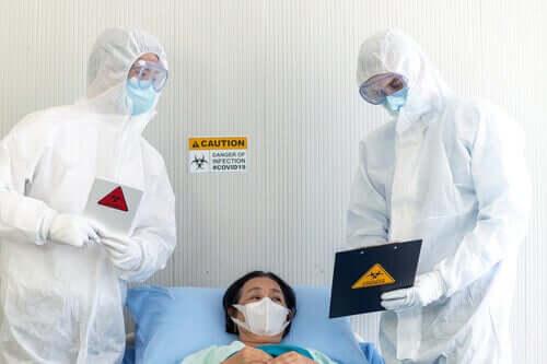 Медперсонал и пациент