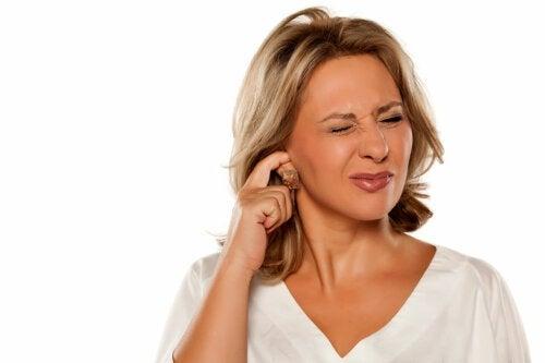 Как удалить ушную серу: 5 рекомендаций