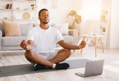 Что такое медитация Випассана и какую пользу она приносит?
