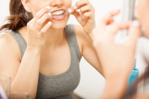 Полоски для отбеливания зубов: 6 советов по их использованию