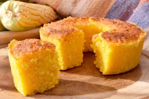 Бисквит из кукурузной муки: простой рецепт